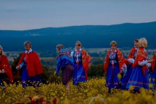 kielce wiadomości Zespół Brzezinianki zaprezentował teledysk do ludowej piosenki