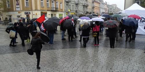 kielce wiadomości Kobiety protestowały na mostku nad Silnicą (ZDJĘCIA)