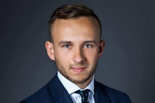 kielce wiadomości Damian Sławski najmłodszym wójtem w kraju! Miedziana Góra wybrała nowego włodarza