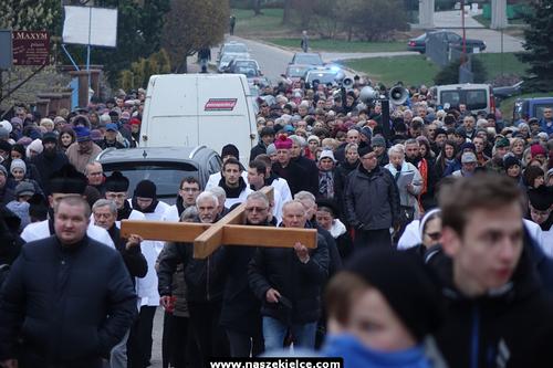 kielce wiadomości Tłumy wiernych na najstarszej drodze krzyżowej w Kielcach (ZDJĘCIA,WIDEO)
