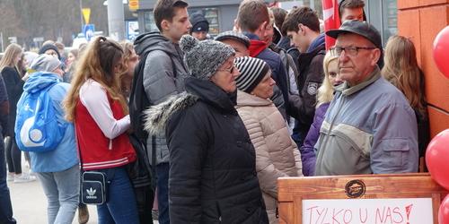 kielce wiadomości Nakarmili za darmo 500 osób (ZDJĘCIA,WIDEO)