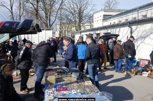kielce wiadomości Tłumy na sobotniej giełdzie staroci w WDK (ZDJĘCIA)