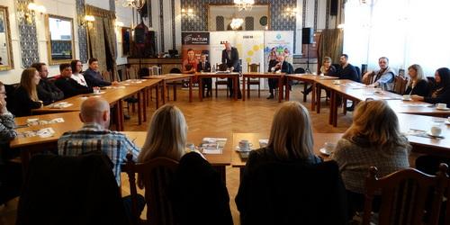 kielce wiadomości Dyskutowali o kobietach w biznesie (WIDEO)