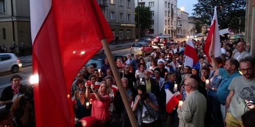 kielce wiadomości KOD kontynuuje protest w obronie sądów (ZDJĘCIA)
