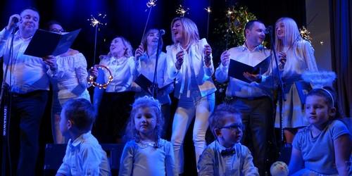kielce wiadomości Urzędnicy marszałka koncertowali dla małej Oliwki (ZDJĘCIA,WIDEO)