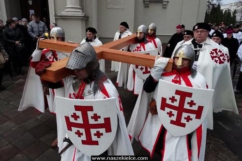 kielce wiadomości We wtorek ulicami Kielc przejdzie droga krzyżowa