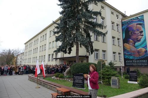 kielce wiadomości Józef Piłsudski zdobi ścianę liceum, któremu patronuje (ZDJĘCIA,WIDEO)