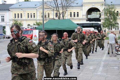 kielce wiadomości Żołnierze pokazali co potrafią. Udany piknik na Placu Wolności (ZDJĘCIA)