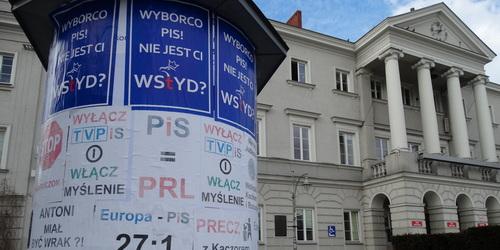 kielce wiadomości Plakatami w PiS ale KOD się nie przyznaje