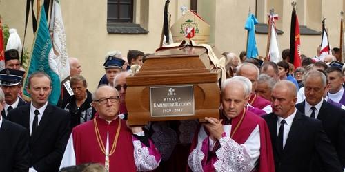 kielce wiadomości Zakończyły się dwudniowe uroczystości pogrzebowe biskupa Ryczana (ZDJĘCIA,WIDEO)
