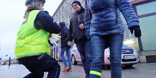 kielce wiadomości Policjanci rozdają odblaski