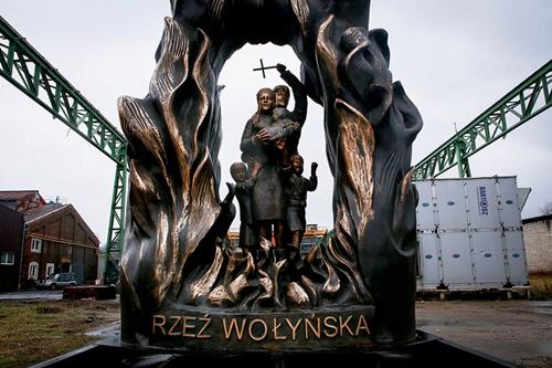"""kielce wiadomości Chcą pomnika """"Rzeź Wołyńska"""". Czy w Kielcach pojawi się kontrowersyjny monument?"""