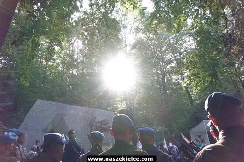 kielce wiadomości Pod Pomnikiem Straceń uczcili ofiary niemieckiej agresji (ZDJĘCIA,WIDEO)