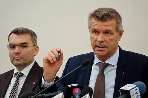 kielce wiadomości Koronawirus zmusił do przełożenia sesji Rady Miasta Kielce. Prezydent zawnioskował o nadzwyczajne posiedzenie