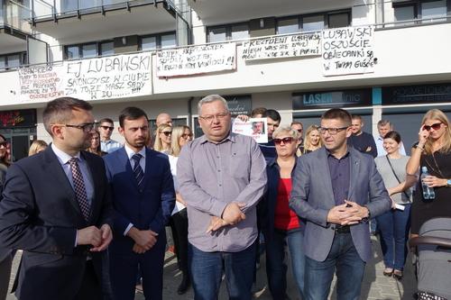 kielce wiadomości Mieszkańcy bloku na Jurajskiej protestują (WIDEO)