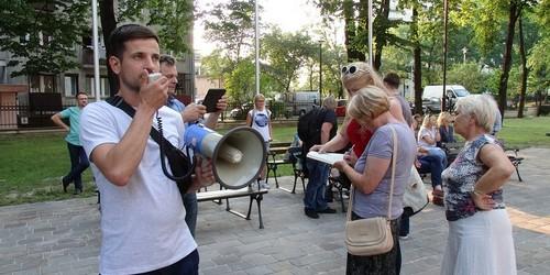 kielce wiadomości Protestowali przeciwko makabrycznej wystawie przy kościele gar