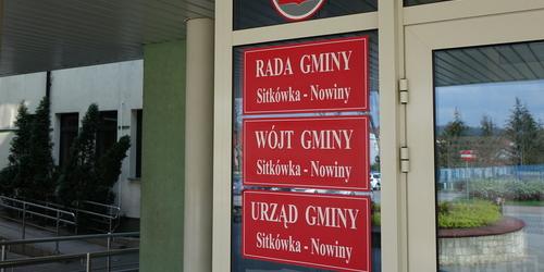 kielce wiadomości Miliony zamiast na drogi wydano na nagrody? Zamieszanie w gminie Sitkówka-Nowiny (ZDJĘCIA,WIDEO)