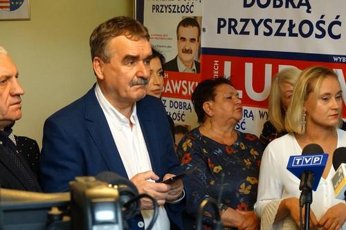 kielce wiadomosci Smutny wieczór wyborczy w sztabie Wojciecha Lubawskiego (ZDJĘCIA,WIDEO)
