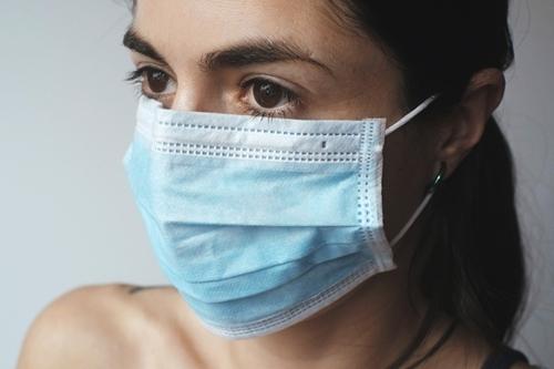 kielce wiadomości Skrzykują się, by szyć maski dla lekarzy. Wszystko dzieje się za pośrednictwem Facebooka