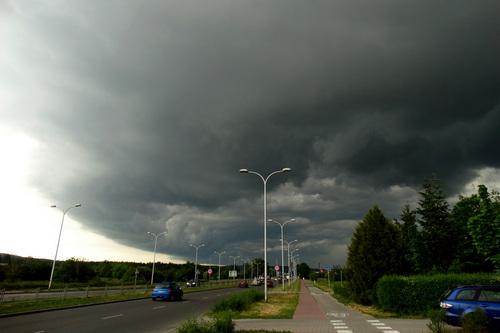 kielce wiadomości Nadchodzą burze z gradem! Meteorolodzy ostrzegają