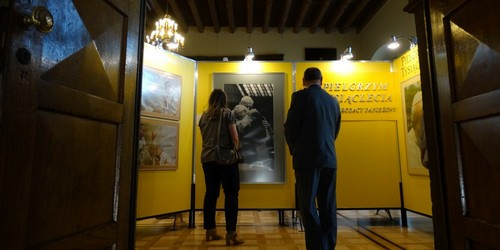 kielce wiadomości Święty Jan Paweł II na fotografiach. Niezwykła wystawa w Muzeu
