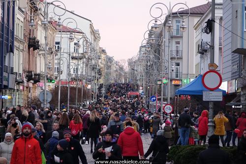 kielce wiadomości W Kielcach zagrała Wielka Orkiestra Świątecznej Pomocy. Setki ludzi w centrum miasta (ZDJĘCIA)