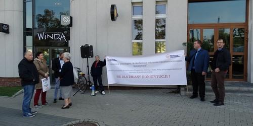 kielce wiadomości Wspólnie o Konstytucji. Konsultacje i nieudany protest PO (ZDJĘCIA,WIDEO)