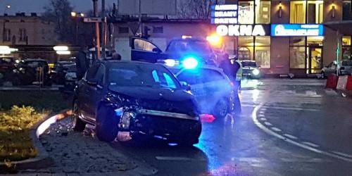 kielce wiadomości Na czerwonym świetle. Wypadek na ulicy Czarnowskiej (ZDJĘCIA)