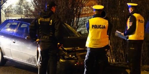 kielce wiadomości Wypadek Audi na wiadukcie (ZDJĘCIA)