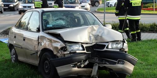 kielce wiadomości Wypadek na Sandomierskiej. Astra ścięła latarnię (ZDJĘCIA)