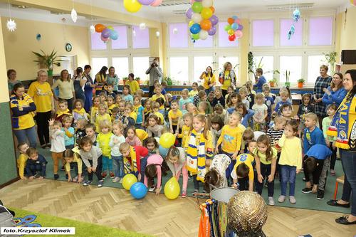 kielce sport Przedszkolaki dopingowały PGE VIVE Kielce (ZDJĘCIA)