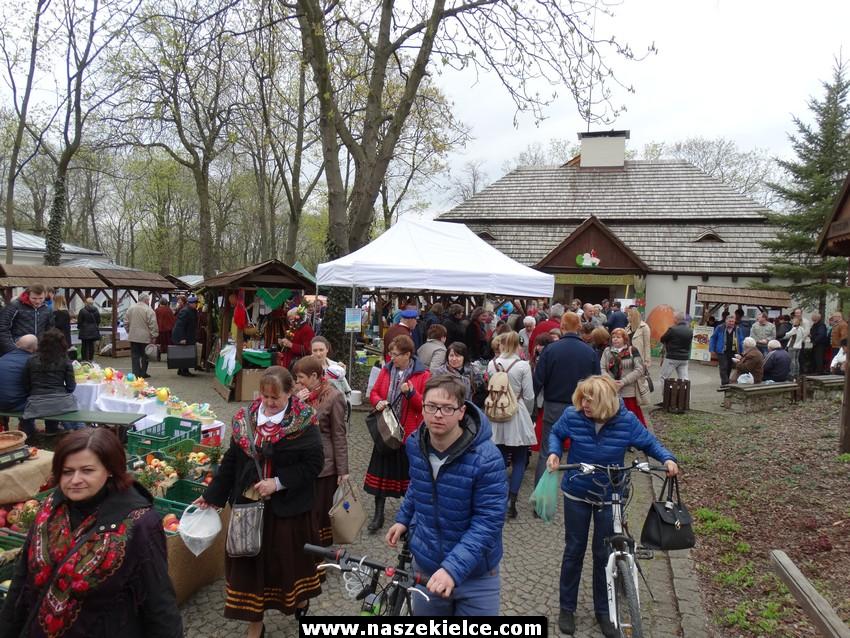 Kiermasz wielkanocny w Dworku Laszczyków 09.04.2017