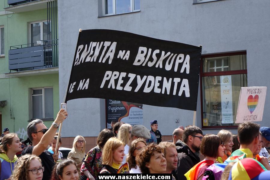 Prezydent Kielc nagrodził organizatorkę Marszu Równości. A wcześniej blokował paradę
