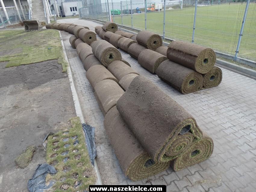 Układanie węgierskiej murawy na Kolporter Arenie 14.03.2017