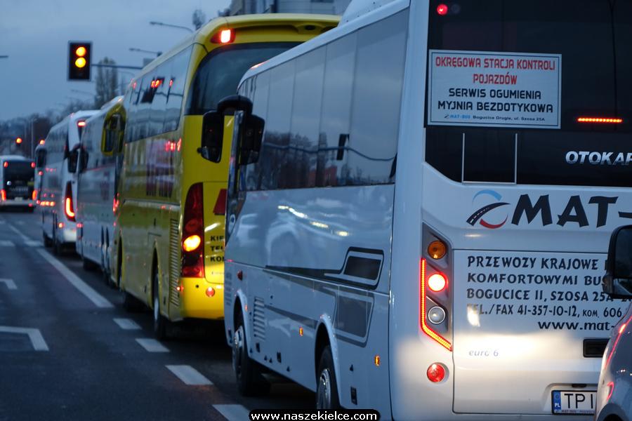 Protest autokarów w Kielcach 17.11.2020