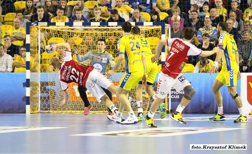 Galeria zdjęć: PGE Vive Kielce - Aalborg Handball 18.11.2017