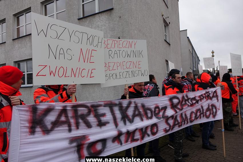Protest ratowników medycznych w Kielcach 29.01.2018