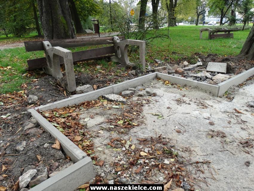 Remont alejek w parku 10.10.2017