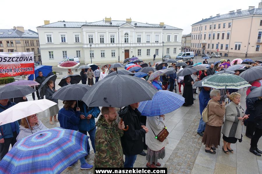 Różaniec w odpowiedzi na paradę LGBT w Kielcach 13.07.2019