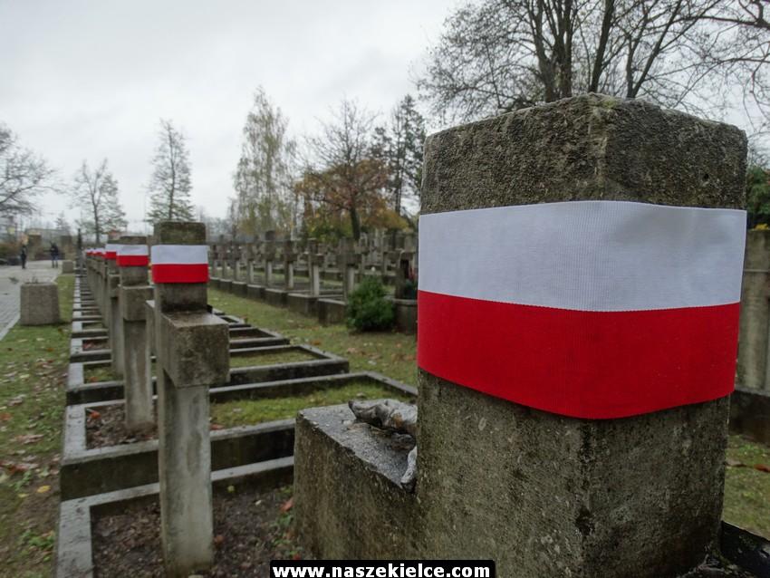 Porządkowanie grobów na cmentarzu partyzanckim 28.10.2017