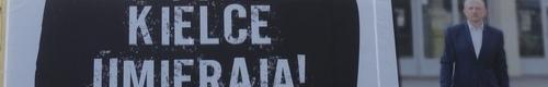 kielce wiadomości Radny Adamczyk bannerami zachęca do udziału w referendum