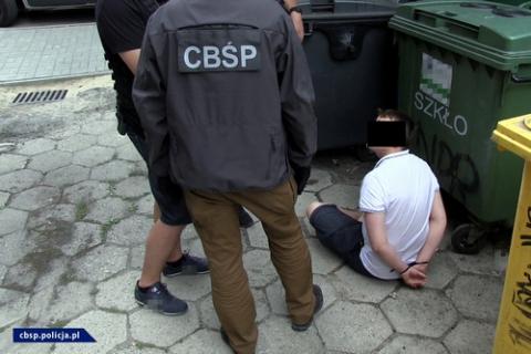 kielce wiadomości CBŚP zlikwidowało sklepy z dopalaczami w Kielcach i Ostrowcu (ZDJĘCIA)