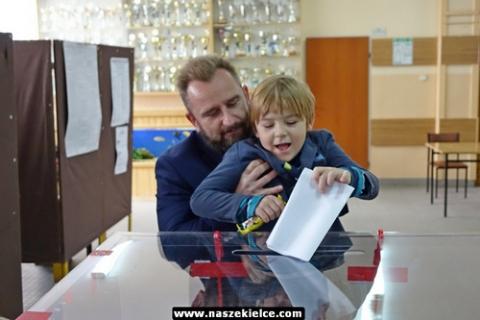 kielce wiadomości Zobacz jak głosowali kandydaci na prezydenta Kielc (ZDJĘCIA,WIDEO)