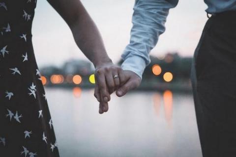 kielce wiadomości Ile wydać na pierścionek zaręczynowy?