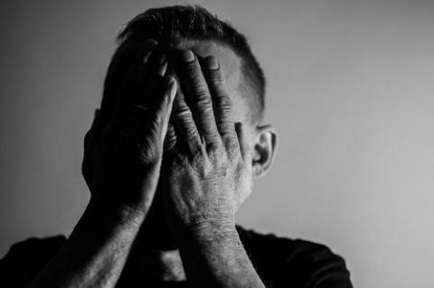 kielce wiadomości Policjanci udaremnili samobójstwo 28-latka na Barwinku