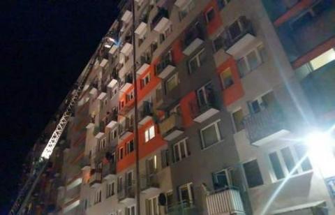 kielce wiadomości Nocna akcja strażaków. Płonął rower na balkonie (ZDJĘCIA)
