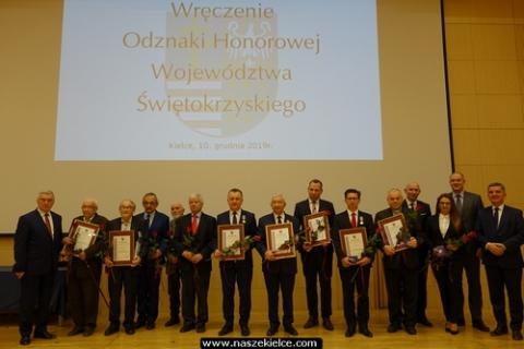 kielce wiadomości Zasłużonym wręczyli honorowe medale a studentom stypendia (ZDJĘCIA)