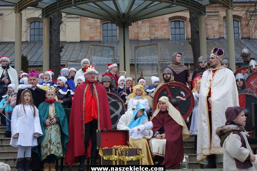 Trzej Królowie przejdą ulicami Kielc i Sitkówki-Nowin